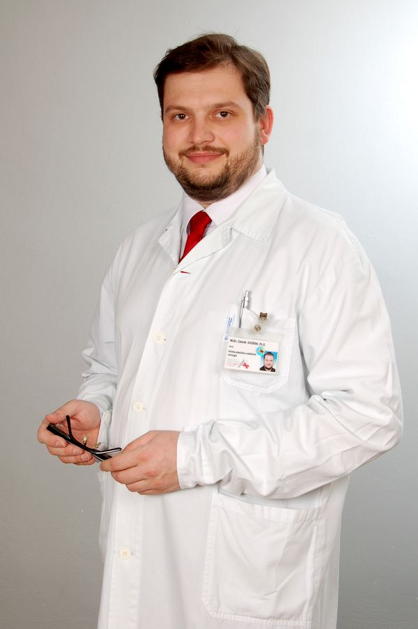 http://www.plasticka-chirurgie-dvorak.cz/wp-content/uploads/2016/10/portret_01.jpg